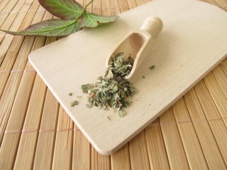 Sssweet Süßer Brombeer Tee Extrakt Pulver, min. 70% Rubusoside, klar löslich